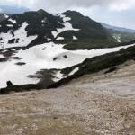 コケシ岩周辺より第一火口テントサイトを望む